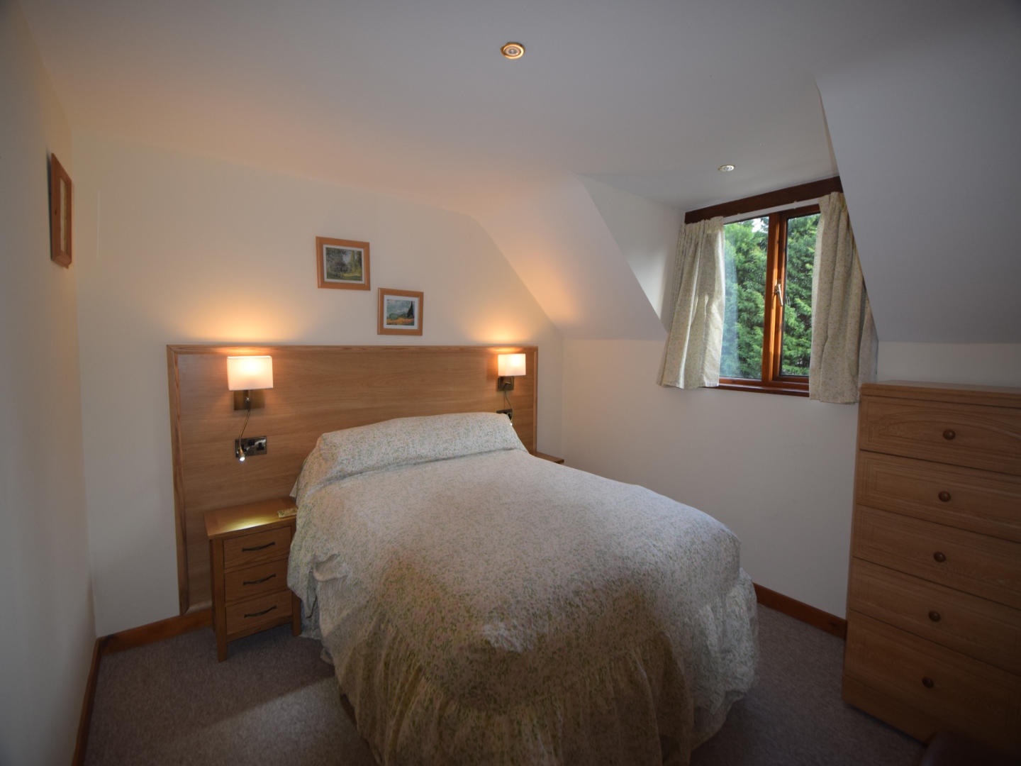 Heron cottage double bedroom